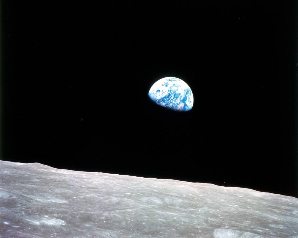 earthrise68